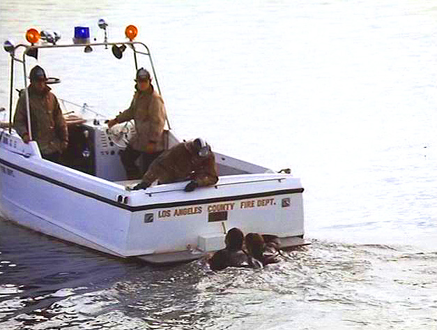 Image of 2sufireboatdivers.jpg