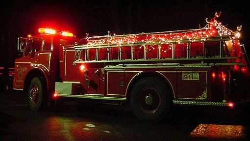 Image of xmaslightsonfireengine.jpg
